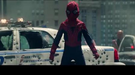 超凡蜘蛛侠:一个身穿武器装甲的人,正在对市中心肆意破坏