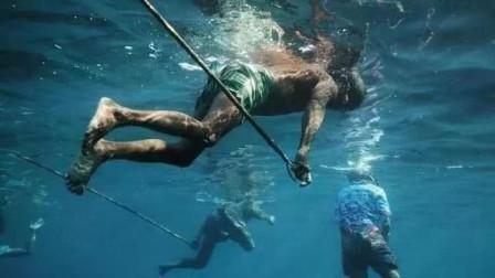世界上唯一的海底民族:可以在海底正常行走,却不适应陆地生活!