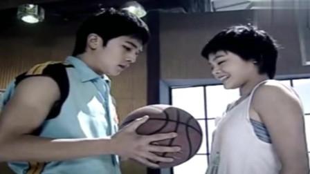 篮球部落:叶雯怀疑高飞受过专门训练,可高飞极力否认自己会打球