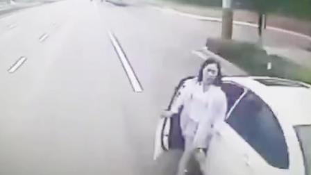 """河南安阳:又现""""开门""""!一女司机当场身亡 提醒如何防范"""