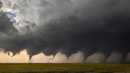 大自然的爱就像龙卷风,威力巨大并且来得快,肆意狂欢花样百出