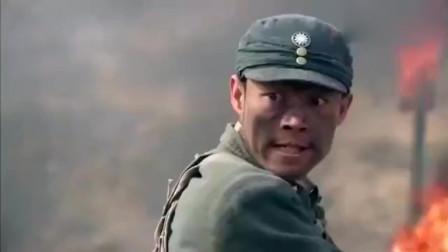 日军正在清理战场,突然泥土里窜出许多川军,把小鬼子给歼灭了