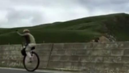 小伙骑独轮车 挑战川藏线 每日新闻报 20190829 高清版
