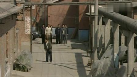 抉择:暗访工厂却被暴打,秘书接走后下令:严查绝不留情