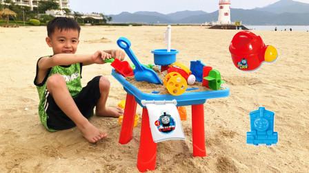 挖铲子玩沙玩具托马斯小火车儿童沙滩玩具桌