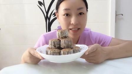 妈妈说,还是怀念传统的五仁月饼,给她做个无糖版的吧