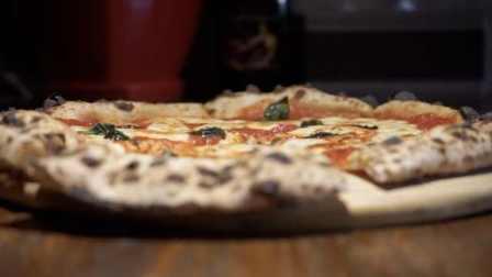 意大利披萨冠军徒弟的店?欧式做法:奖状拿到手软