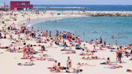 全球最开放国家,141个海滩能裸体,每年吸引8000多万外国游客