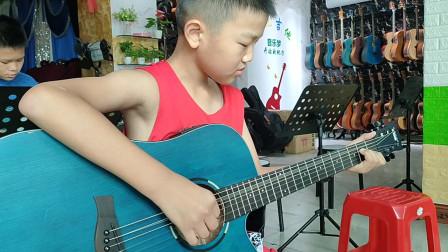 彭政安同学学习吉他视频《兰花草》