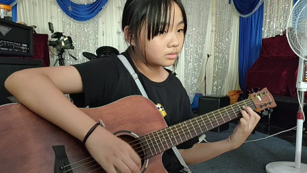 王金慧同学学习吉他视频《童年》