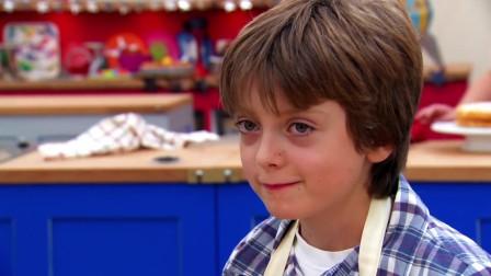 少年烘焙大赛 第一季 两名英国的顶级烘焙专家来品尝选手们的作品,谁会获得青睐呢