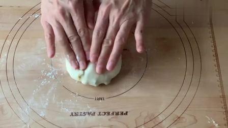 如何烤出烘焙店水平的松软面包?记住这几步,新手也能轻松成功