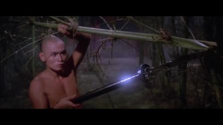 不愧是少林奇迹三德和尚,能够在少林寺里自创兵器,也就你了!