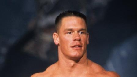 WWE明星的人设演变 小魔女曾是小公举 巨石强森当年竟戴大金链子