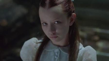 7分钟看完恐怖电影《幽灵船》:失踪40年的豪华客轮惊现小女孩