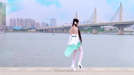 美女热舞DJ视频《逗比的生活》