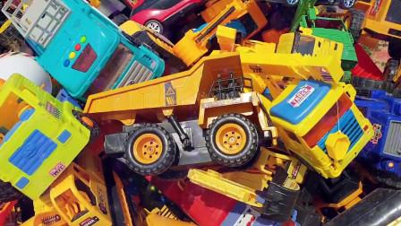 17工程卡车汽车挖掘机汽车回收处挖掘机挖土机工程车工作视频