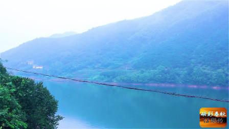 隐藏在大山深处的风景,青山绿水和村庄构成了一副优美山水画