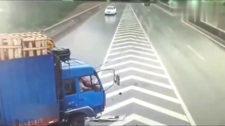 灵异事件轿车被大货车追尾后监控拍下司机ldquo诡异rdquo动作