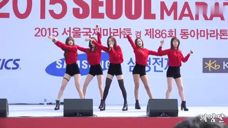 红衣短裤韩国美女热舞,又长又白美腿你看个够