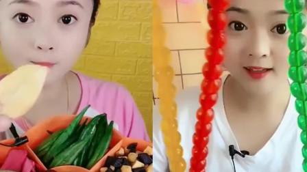 小姐姐吃果冻串串、水果脆,各种口味任意选