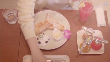 《一起吃饭吧》煎的焦香的吐司,浇上美味的蜂蜜,甜美好吃
