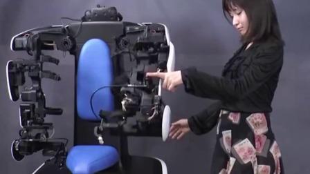 极客力量 2019 丰田的T-HR3机器人可以通过5G网络无线操控