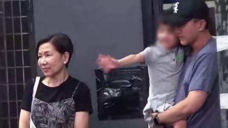 刘恺威和妈妈一起接小糯米回家 杨幂却传恋情绯闻
