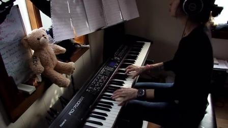美女钢琴弹奏经典反战歌曲《敲响天堂之门》,旋律优美令人陶醉