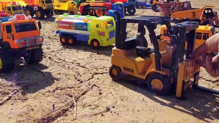 26工程车,挖掘机,消防车、卡车,吊车工作掘机工作视频挖土机挖土工作视频