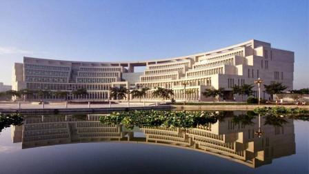 淄博山东理工大学的图书馆,是全国最美的图书馆之一,曾获鲁班奖