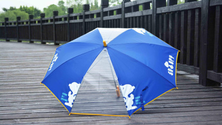 日本人喜欢带着长伞出门,这到底是为什么呢?今天算长见识了