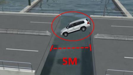 司机高估了自己的技术,冒死飞跃大桥,监控拍下生前最后10秒!