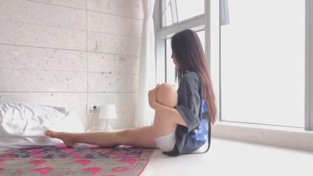 瑜伽训练:韩国美女示范瑜伽技巧,最后一个动作暴露了她的实力