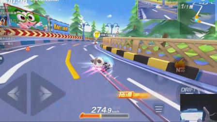 跑跑卡丁车:晨曦疯狂撞墙,这把走远了,拿到第三名!