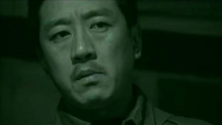 末路:宝山带枪闯进值班室,新兵怕躲被子逃过一劫,宝山放过!