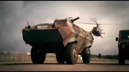 火线战将:特工驾直升机硬闯军事基地,守军向直升机发射红外