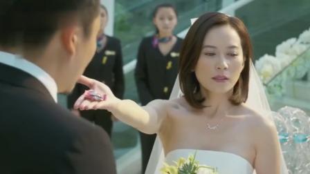 伦理:美女结婚当天送新郎礼物,众人一看场面瞬间混乱了,新郎蒙