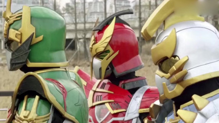 《精诚的心群英传奇》数码军师让铠甲合体,瞬间变成超强铠甲勇士啦!