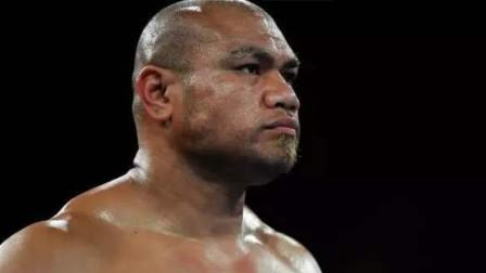 """重量级拳击大战:""""小泰森""""图阿重拳摧毁对手,打的对手站不起来"""