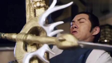 宇文成都名不虚传,秦琼的全力一击,被他轻易就挡住了