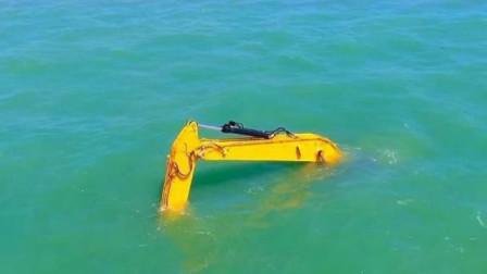 在水里工作的挖掘机你见过吗?直接开到海里,还真是第一次见到!