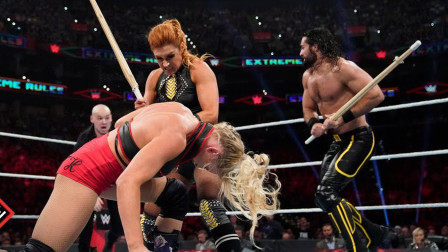 WWE男女混打比赛,出新状况了,莱西被贝基暴打了,这是为什么!
