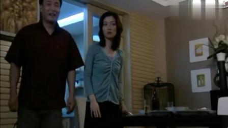 丈夫提前下班,看到妻子和学生的丑行为