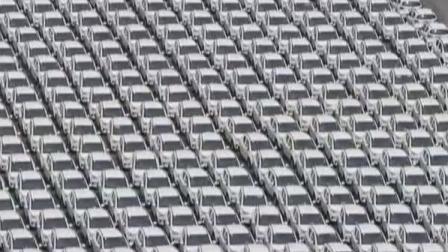 """经视新闻 2019 杭州:千辆新能源汽车扎堆停放  是否""""僵尸车场""""?"""