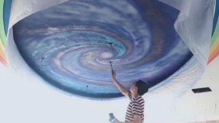 美术老师耗费20天在教室画满星空