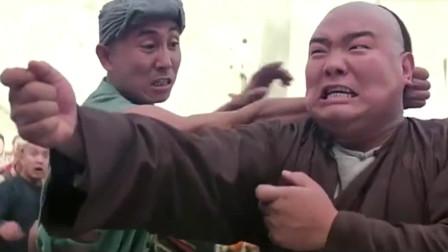 黄飞鸿:阿宽又惹祸了,黄飞鸿帮他出头,以一敌十!
