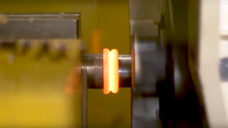 最神奇的焊接方法,两根铁棒互相摩擦旋转,最后完美融合在一起