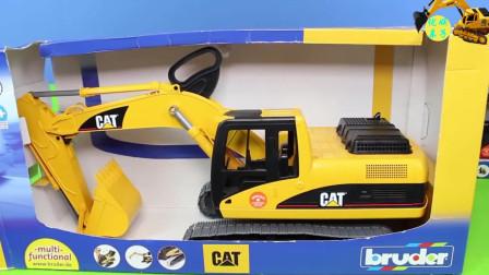 工程车玩具拆封 工程车仿真工作儿童玩具视频