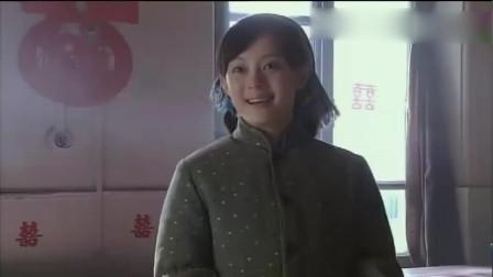 小姨多鹤:小环给多鹤送去嫁妆,还亲自装扮新房!